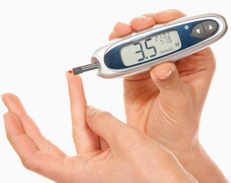 أعراض انخفاض السكر في الدم وضرورة الإسراع بالفحص